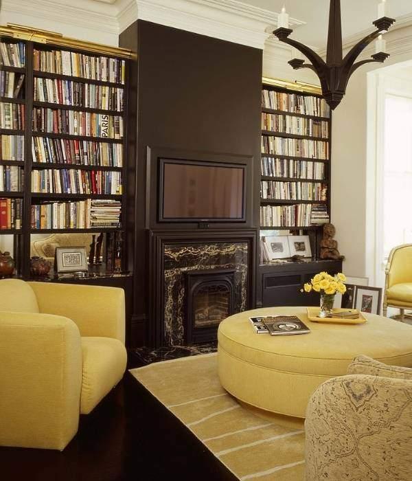 Сочетание темно коричневого цвета в интерьере гостиной с желтым