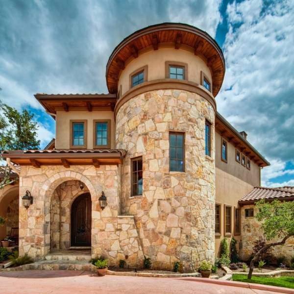 фото красивые дома из натурального камня важно