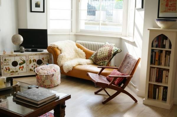 Богемный интерьер гостиной в стиле бохо