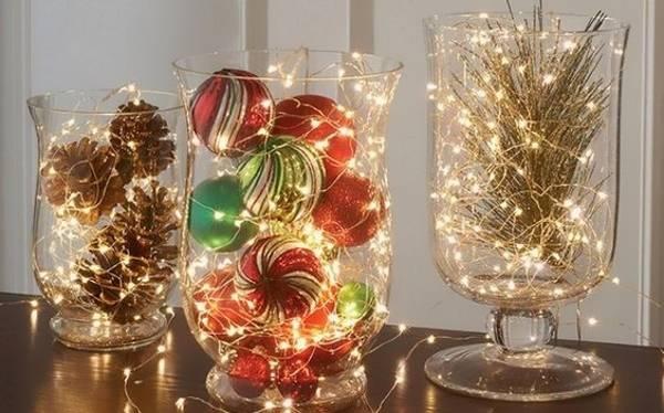 Новогодние светодиодные гирлянды в декоре дома на Новый год