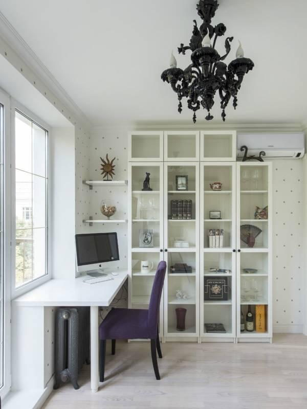 Стол подоконник: 30 фото на кухне, в детской и других комнатах