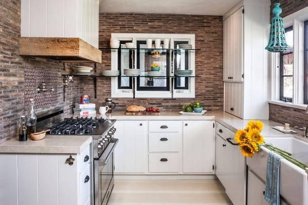 Имитация кирпичной стены плиткой в интерьере кухни