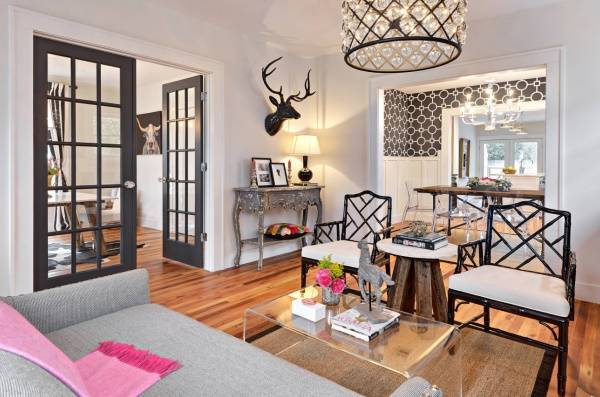Как увеличить пространство в маленькой комнате - фото гостиной