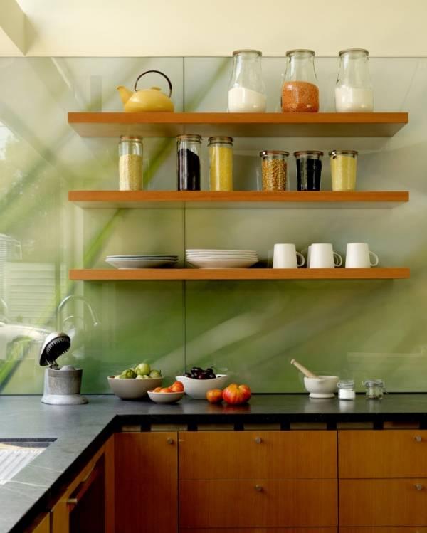 Фото кухни со стеклянным фартуком прозрачным