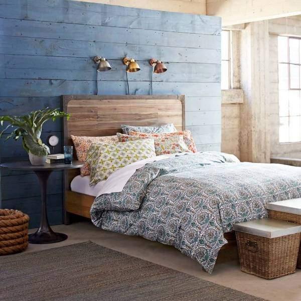 Красивая спальня в стиле бохо и ретро