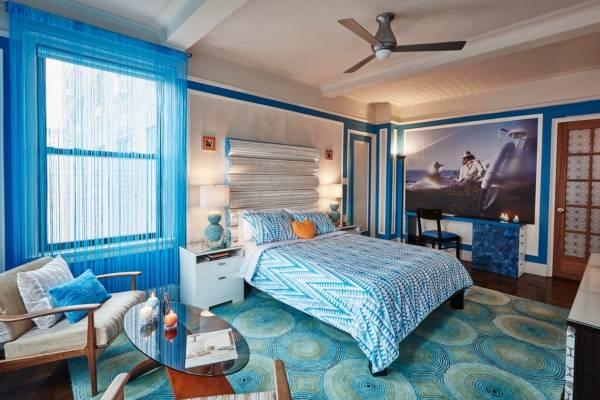 Голубые нитяные шторы кисея - фото в интерьере