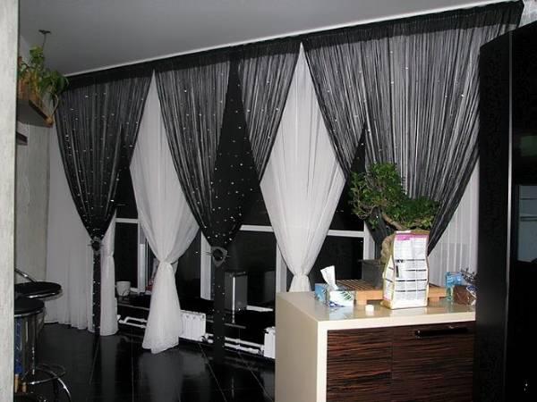 Шторы нити со шторами - фото на окнах