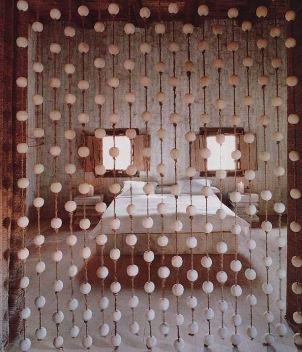 Нитяные шторы с белыми бусинами своими руками