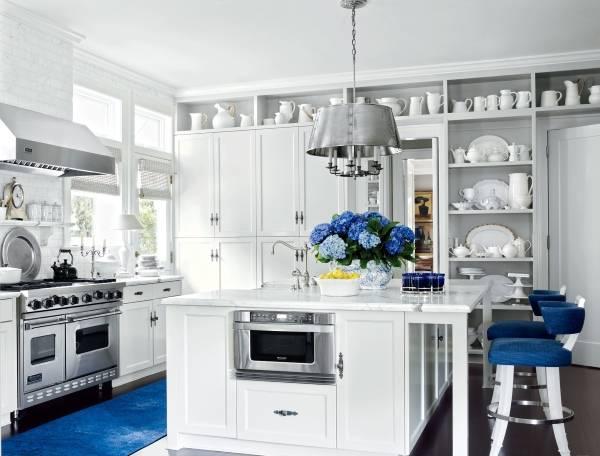 Модный синий цвет в интерьере кухни