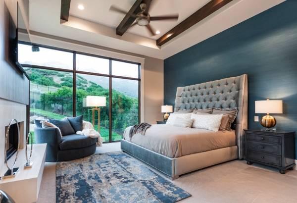 Дизайн спальни 2017 в модном синем цвете