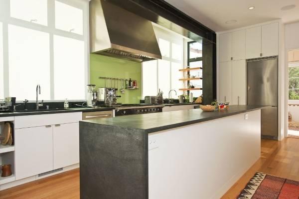 Фартук для кухни из стекла - фото в дизайне интерьера