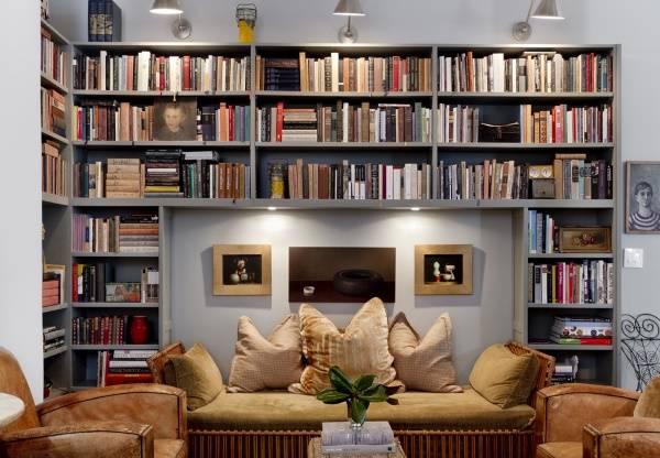 Как увеличить пространство в маленькой комнате: встроенная мебель