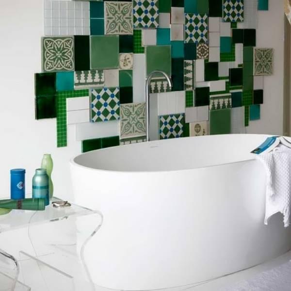 Как украсить плитку в ванной