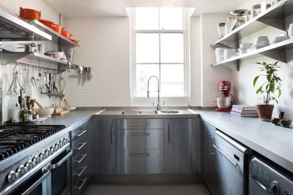 П-образная угловая кухня лофт