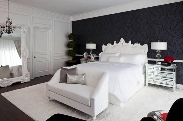 Черные обои для стен в спальне с белой мебелью