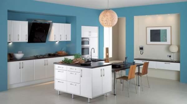 Дизайн кухни 2017 с многофункциональным островом