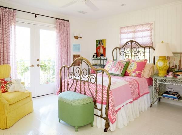 Интерьер спальни в стиле шебби шик - фото в ярких тонах