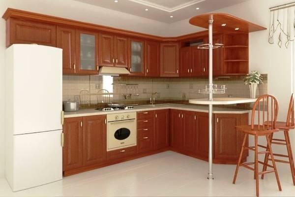 Дизайн угловой кухни с барной стойкой - шкафы из дерева