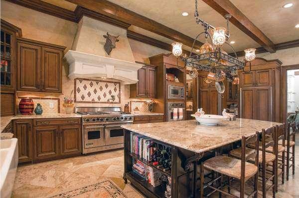 Дизайн кухни 2017 в классическом стиле
