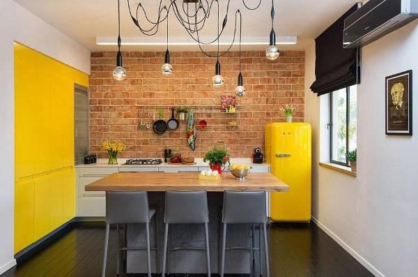 Кухни в стиле лофт с кирпичом - фото с ярким декором
