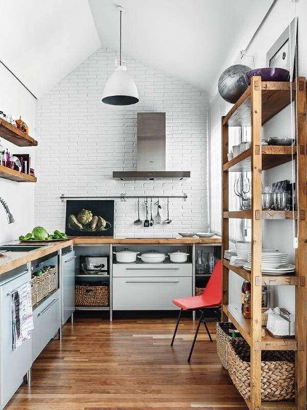 Маленькая кухня в стиле лофт - фото интерьера