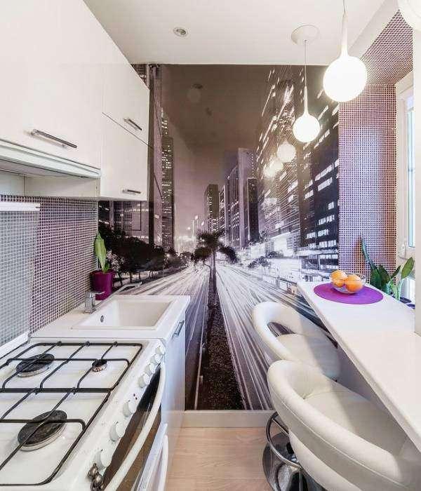 Дизайн кухни с черно-белыми фотообоями Город
