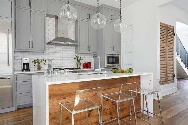 Модный дизайн кухни 2017 с мебелью серого цвета