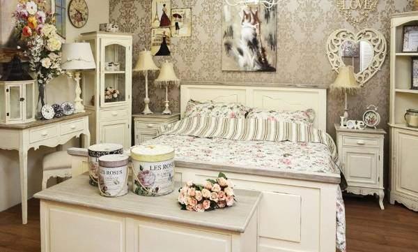 Интерьер спальни в стиле шебби шик - идеальная мебель