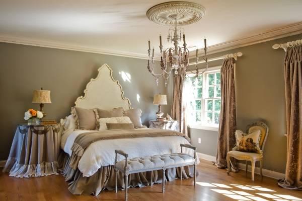 Сочетание классического стиля и шебби шик в спальне
