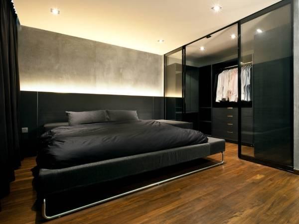 Стеклянные раздвижные двери и перегородки - фото в спальне