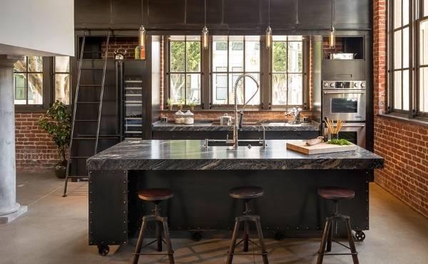 Стиль лофт - кухня в черном цвете с кирпичом
