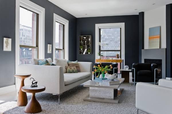 Современный интерьер с темно-серыми обоями на стенах