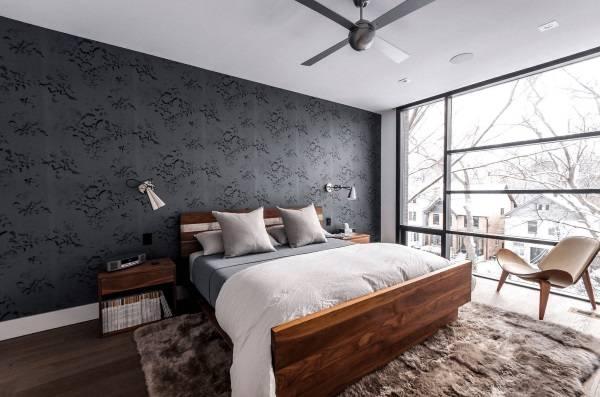 Темные обои в интерьере - фото серого цвета в спальне