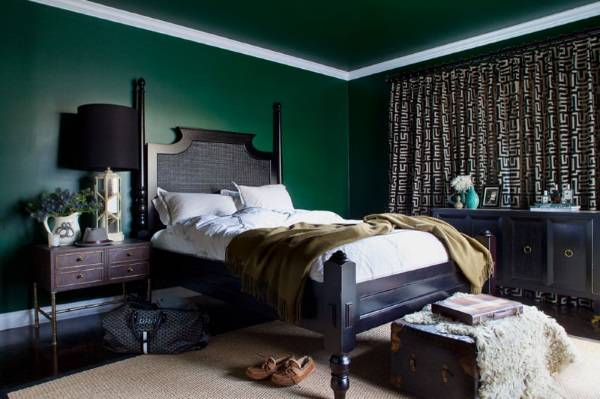Темные обои для стен и потолок в зеленом цвете