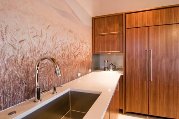Фотообои в интерьере кухни - фото над столешницей