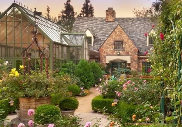 Благоустройство участков загородных домов - фото лучших идей 2017