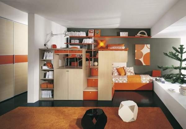 Дизайн однокомнатной квартиры с ребенком школьником - рабочее место на фото