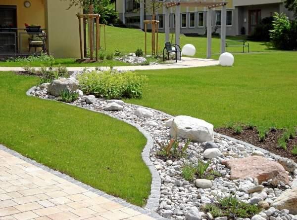 Ландшафтный дизайн загородного дома - фото рокария