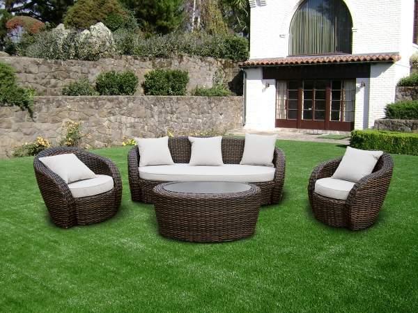 Преимущества садовой мебели из искусственного ротанга