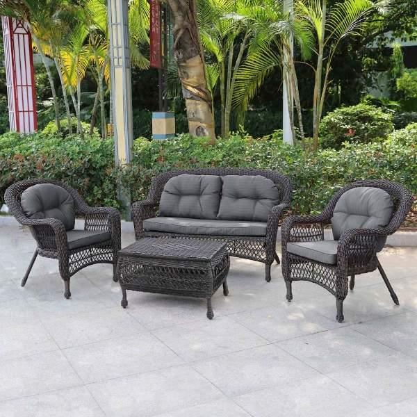 Плетеный диван и кресла из искусственного ротанга