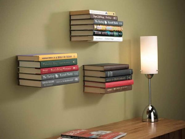 Книжные полки на стену в интерьере