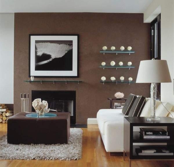 Стеклянные полки на стену - фото в интерьере гостиной
