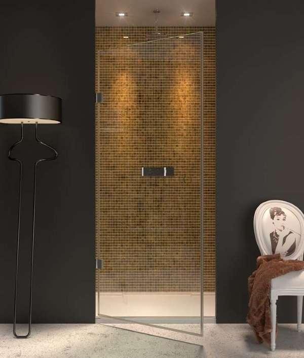 Распашные стеклянные двери в душ - фото в интерьере ванной