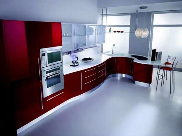 Большая кухня в интерьере современного частного дома