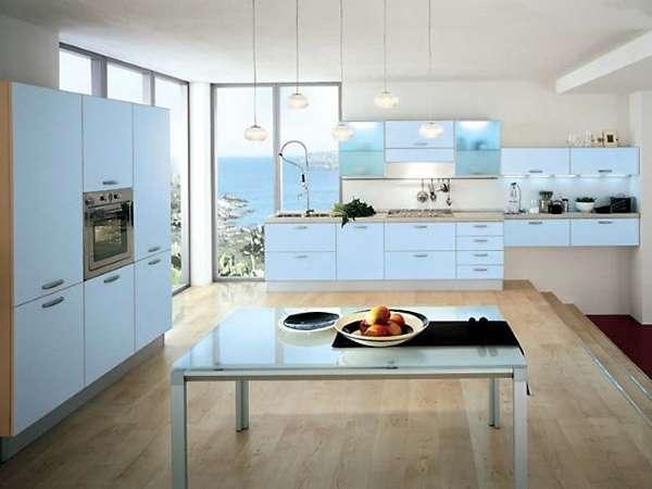 Красивый интерьер кухни столовой в частном доме - фото