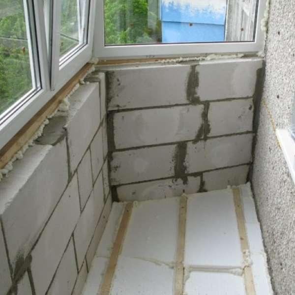 Дизайн балкона - остекление, утепление и отделка