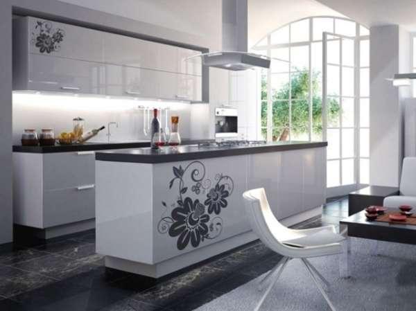 Интерьер большой кухни совмещенной с гостиной в частном доме - фото