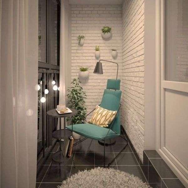 Стильный дизайн узкого балкона - фото
