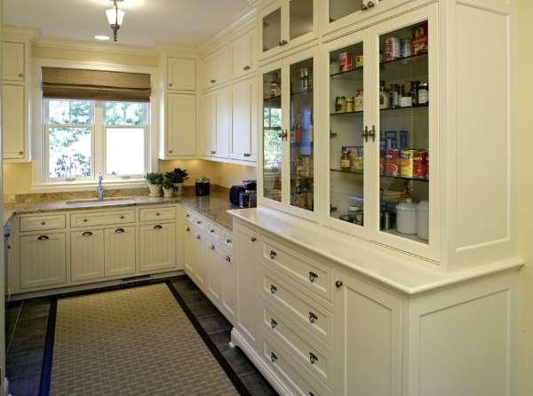 Кухонный шкаф буфет со стеклянными дверцами