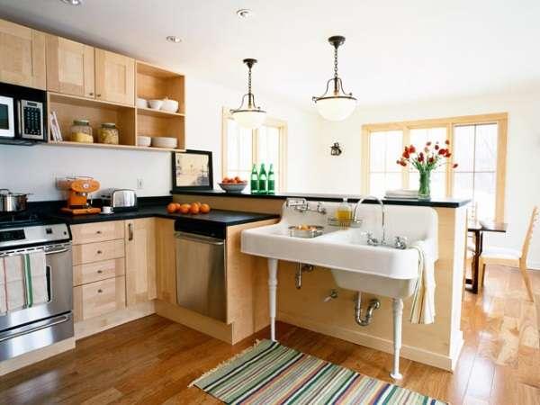 Дизайн угловой кухни, свомещенной со столовой, в частном доме - фото